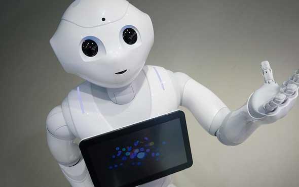 İngiltere parlamentosundan bir ilk: Robot 'tanık' oldu