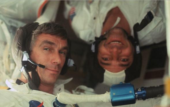 """NASA, """"Ay'a çıkılmadı"""" diyenleri ters köşe etti! 10 bin fotoğraflı kanıt..."""