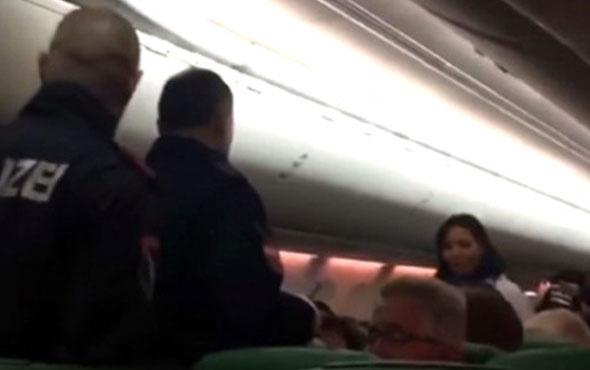 Gaz çıkaran yolcu uçağa acil iniş yaptırdı