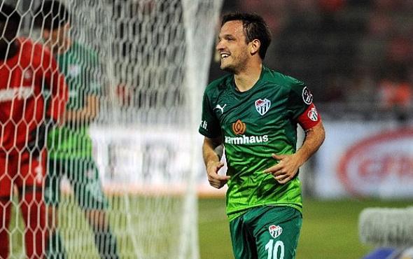 Bursaspor'un güvencesi kaptan Batalla!