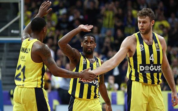 Fenerbahçe Doğuş rakiplerine fark attı!