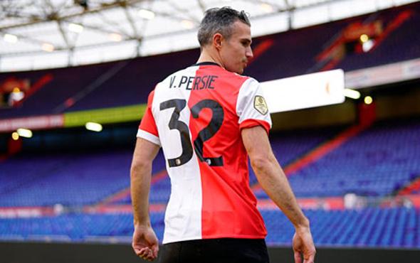 Robin van Persie Feyenoord'dan gönderiliyor