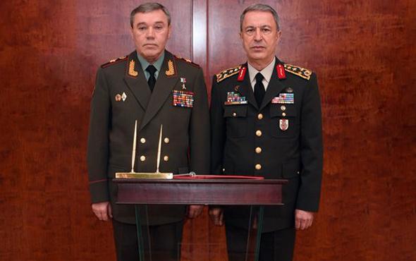 Genelkurmay Başkanı Akar, Rus mevkidaşıyla görüştü