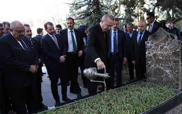 Erdoğan'dan Türkeş'in mezarına ziyaret