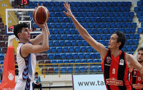 Muratbey Uşak deplasmanda Trabzonspor'a geçit vermedi