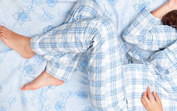Ramazan'ı gündüzleri uyuyarak geçirmek orucu bozar mı-Diyanet cevabı