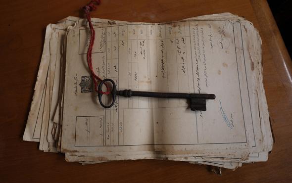 Filistinliler Osmanlı döneminden kalma anahtarlarını saklıyor