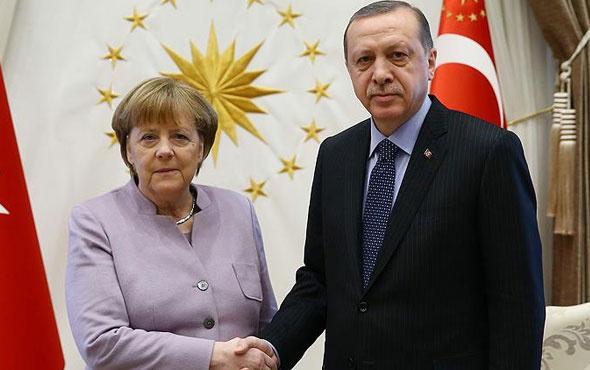 Merkel'den Erdoğan'a Almanya daveti!