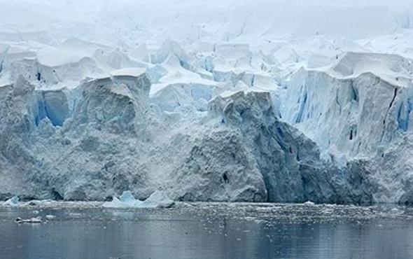 Dünyanın en büyük buzdağı erime yolunda