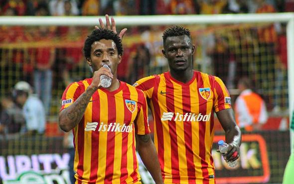 Bursaspor Badji transferinde ısrarcı
