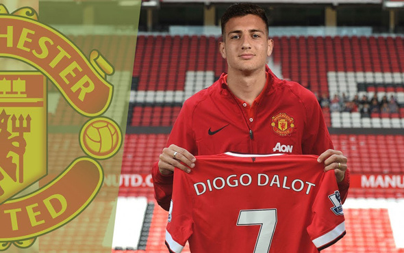 Manchester United'ın ikinci transferi Dalot oldu