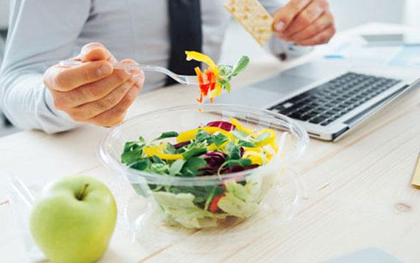 Ofis ortamında çalışanlar için alternatif atıştırmalıklar