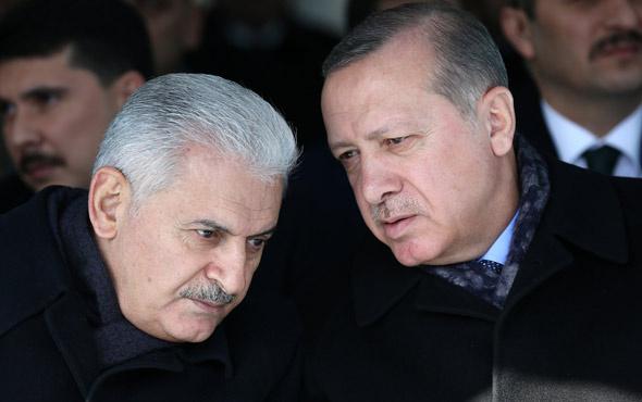 Erdoğan Binali Yıldırım'a Devlet Şeref Madalyası verdi