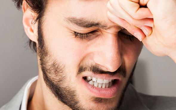 Baş ağrısı neden olur dikkat edilmesi gerekenler neler gün aşırı ağrınız oluyorsa dikkat!