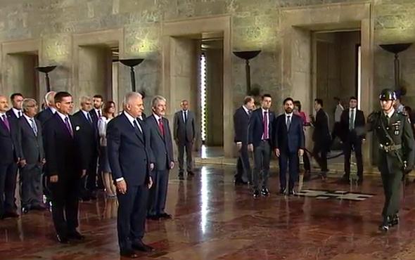 Meclis Başkanı Binali Yıldırım Anıtkabir'i ziyaret etti