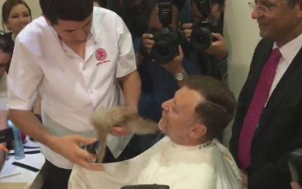 OHAL bitti CHP'li Aytuğ Atıcı da sakalını kestirdi