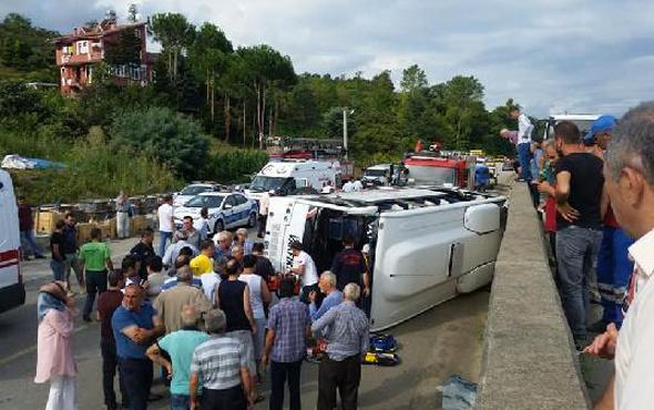 Trabzon'da midibüs devrildi: 2 ölü, 12 yaralı