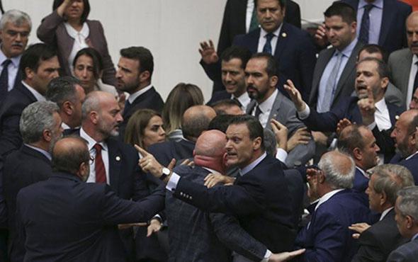 Alpay Özalan'dan kavga açıklaması: Görmemezlikten gelemeyiz