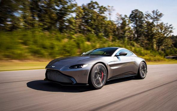 Yolların lordu Aston Martin showroomlarda yerini aldı