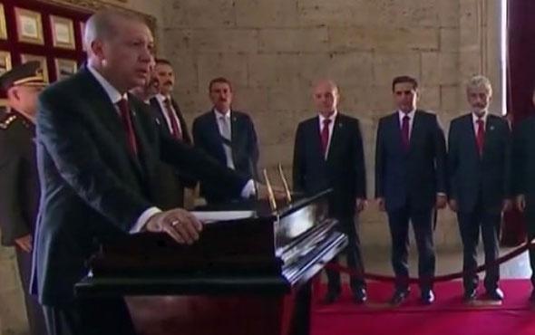Başkan Erdoğan'dan Anıtkabir'de ilk mesaj