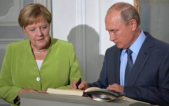 Rusya Devlet Başkanı Putin Almanya'da