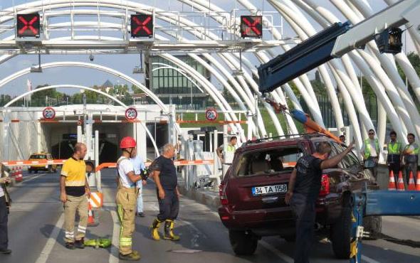 Avrasya Tüneli'nde trafiği kilitleyen kaza!