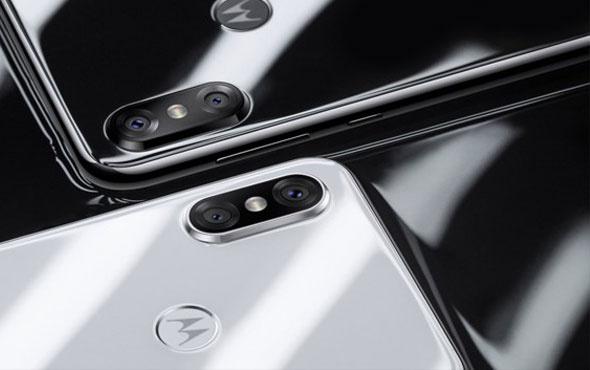 Motorola One duyuruldu!