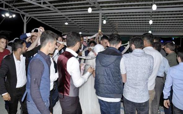 Düğünde takılan paralar uç uca eklendi bakın kaç metre oldu?