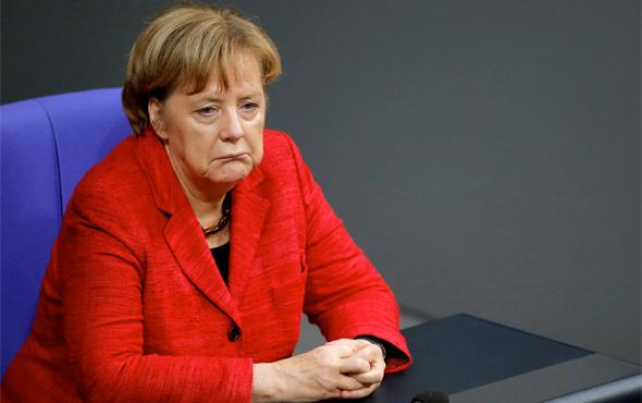 Suriye'ye saldıracaklar Angela Merkel Almanya'nın tavrını açıkladı