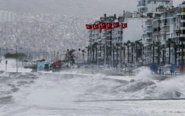 İzmir'de tropik fırtına alarmı verildi! Tüm birimler teyakkuza geçti