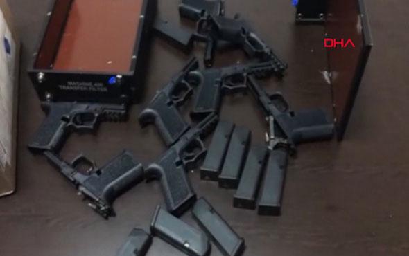 Emniyette skandal! Polis Emniyetten silah çalıp...