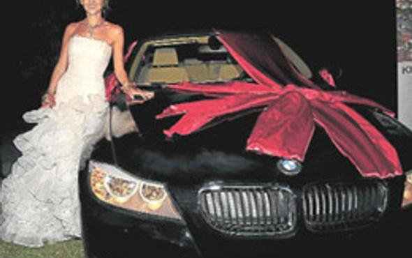 Düğün hediyesi Esra Erol'u kesmedi
