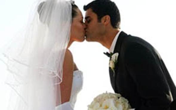 Sevgililer Günü'nde nikah yoğunluğu
