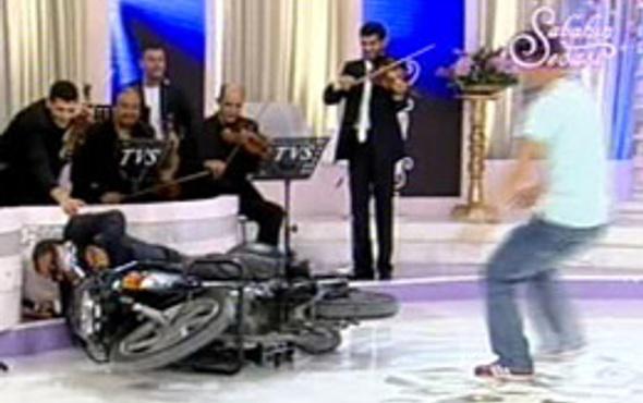 Bülent Serttaş'ın canlı yayın kazası (video)