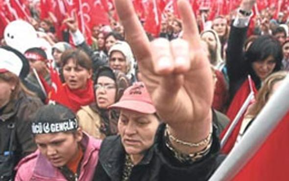 MHP'de şok yaratan Gülen istifaları!