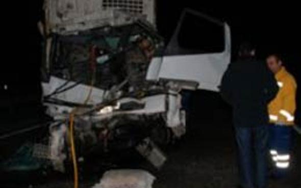 Bolu Dağı Tüneli'nde 2 kamyon çarpıştı