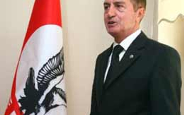 Osman Pamukoğlu partiyi kapatıyor!