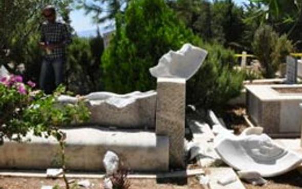 Can Yücel'in mezarını parçaladılar!