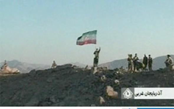 İran ordusu PJAK kampına bayrağı dikti