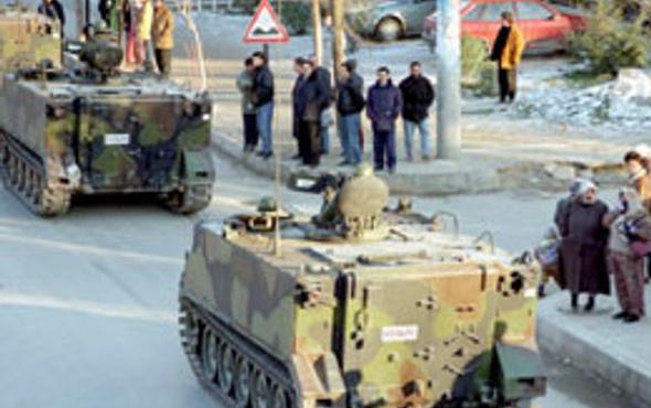 Tankları da Erbakan mı yürüttü?