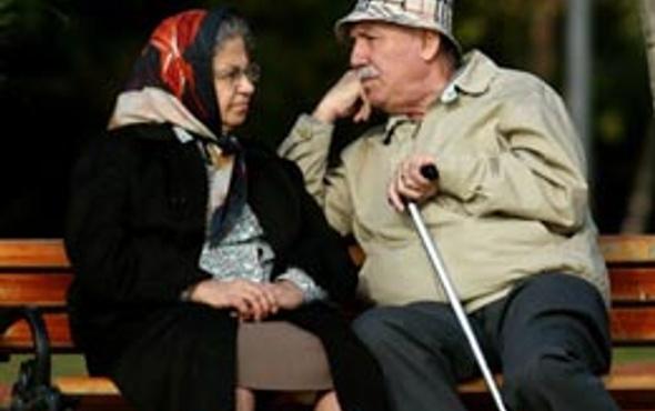 Emeklilikte yaşa takılanlar ayaklandı!