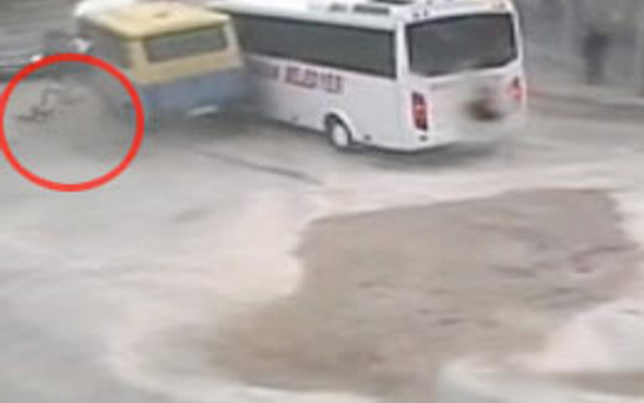 Şoför kapıdan böyle uçtu!