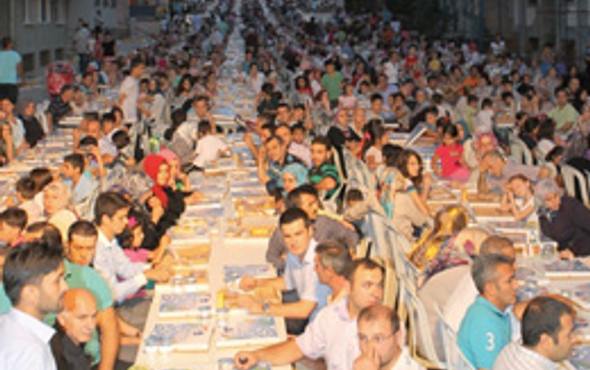 Feriköy Ermeni Kilisesi'nde iftar