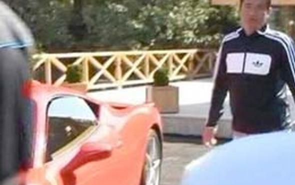 Acun Ferrari'siyle zor anlar yaşadı!