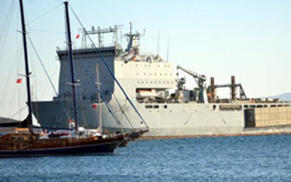 Bodrum'da esrarengiz savaş gemisi!