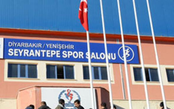 BDP kongresinden Türk bayrağı krizi