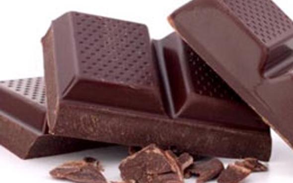 Bitter çikolata kalbi koruyor!