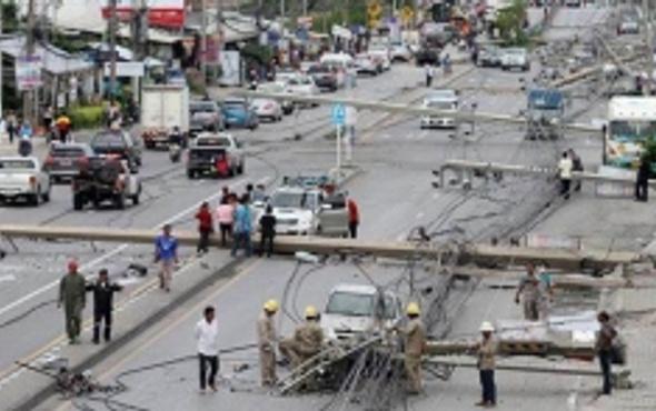 47 elektrik direği devrildi Akılalmaz kaza