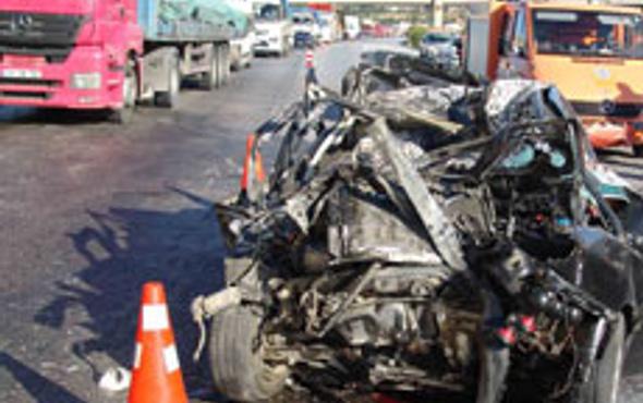 Manisada kaza: 2 ölü, 16 yaralı