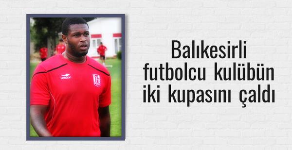 Balıkesirsporlu futbolcu kulübün 2 kupasını çaldı
